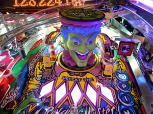 bally-cirqus-voltaire-pinball-machine-ringmaster-design-650x487